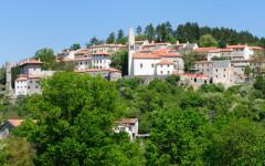 Stanjel, Karst hill town